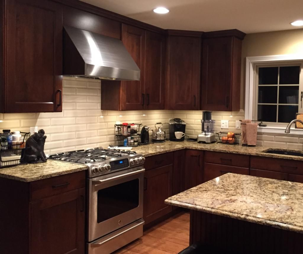 Kitchen Countertops And Backsplash Photos: Cabinets: Mid Continent, Maple, Briarwood With Black Glaze