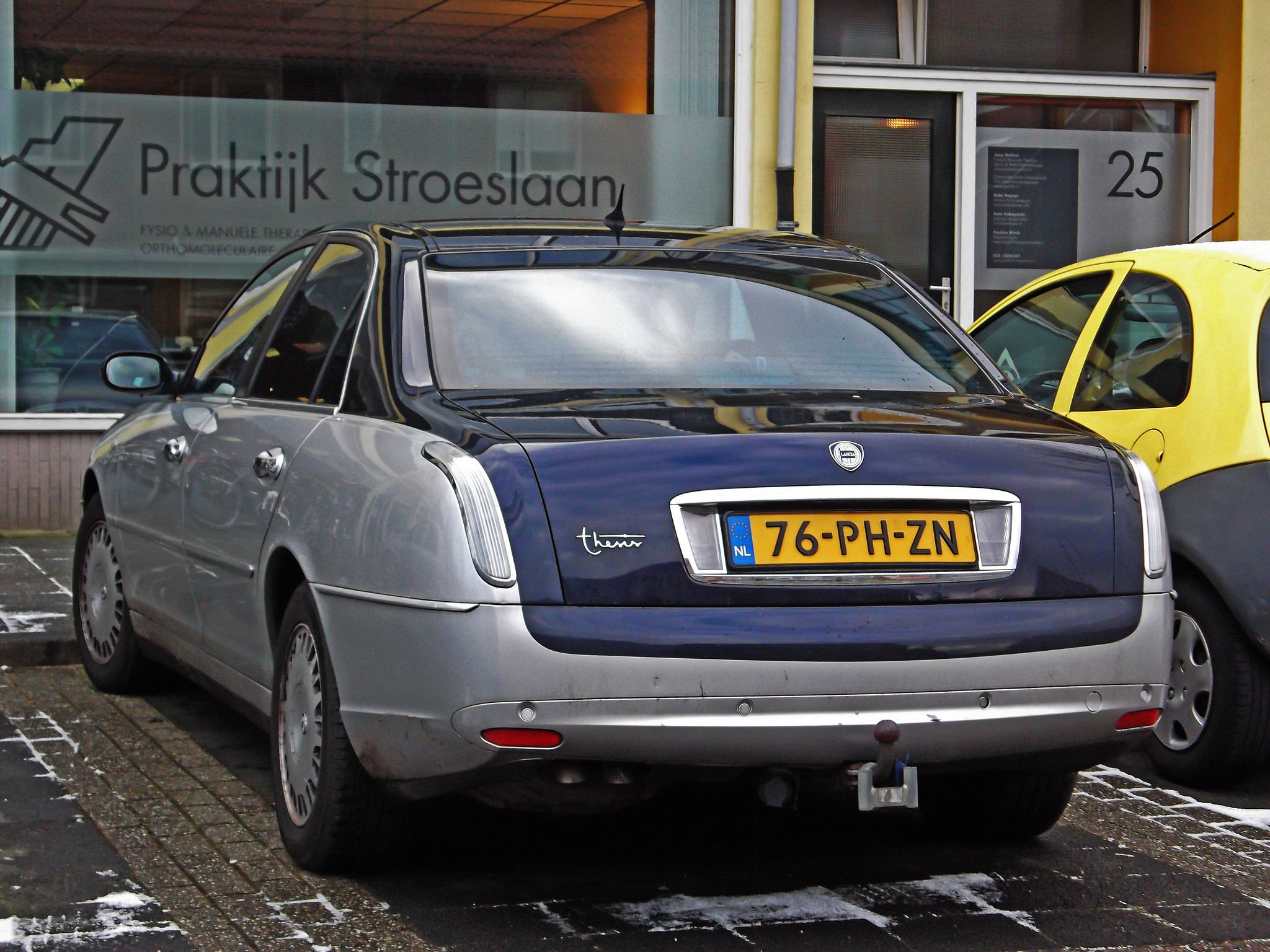 Lancia Thesis 3.0 V6 24v Bicolore | Pinterest | Thesis and Cars