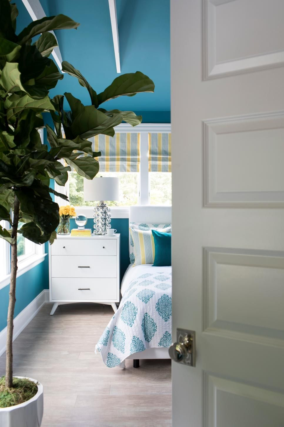 Best Master Bedroom Pictures From Hgtv Urban Oasis 2018 400 x 300