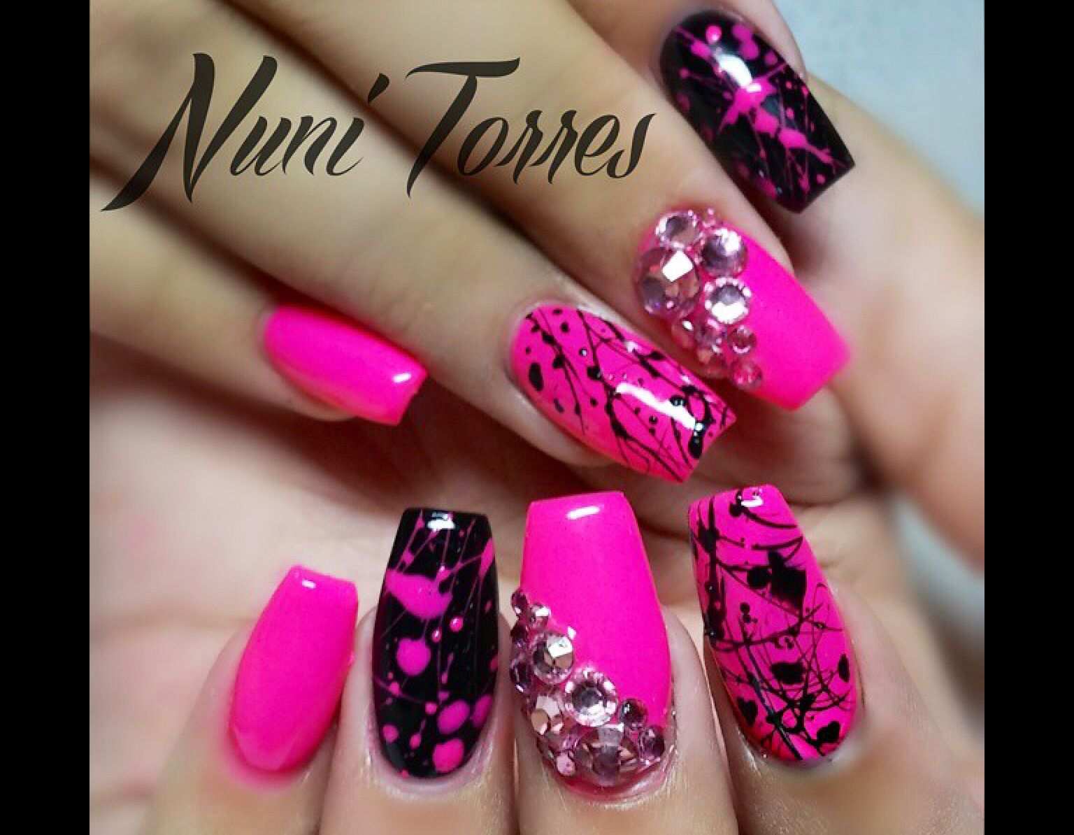 Pin By Stella Starr On Hot Nails With Images Splatter Nails