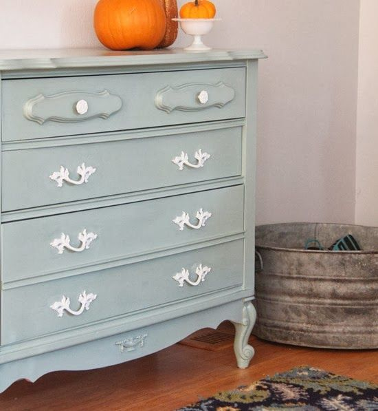 painting w/chalk paint - no sanding, priming required