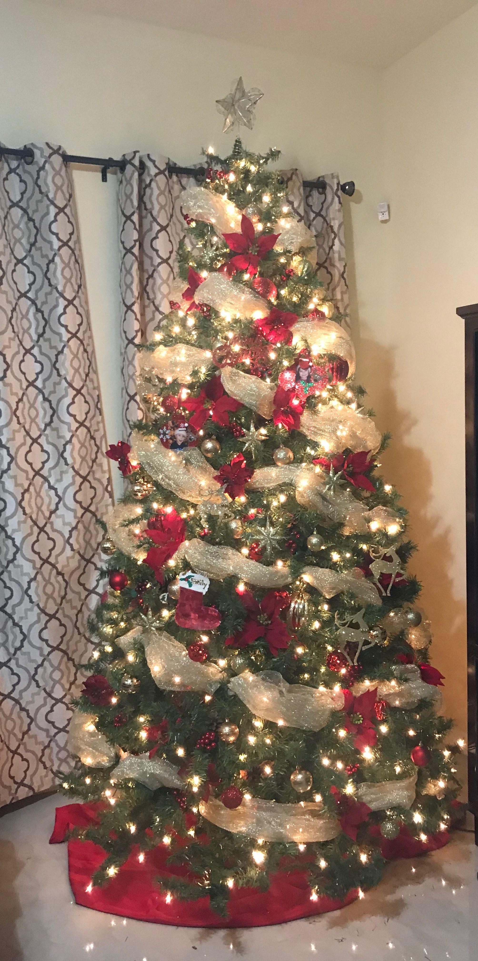 Red And Gold Christmas Tree Gold Christmas Tree Decorations Red And Gold Christmas Tree Holiday Christmas Tree