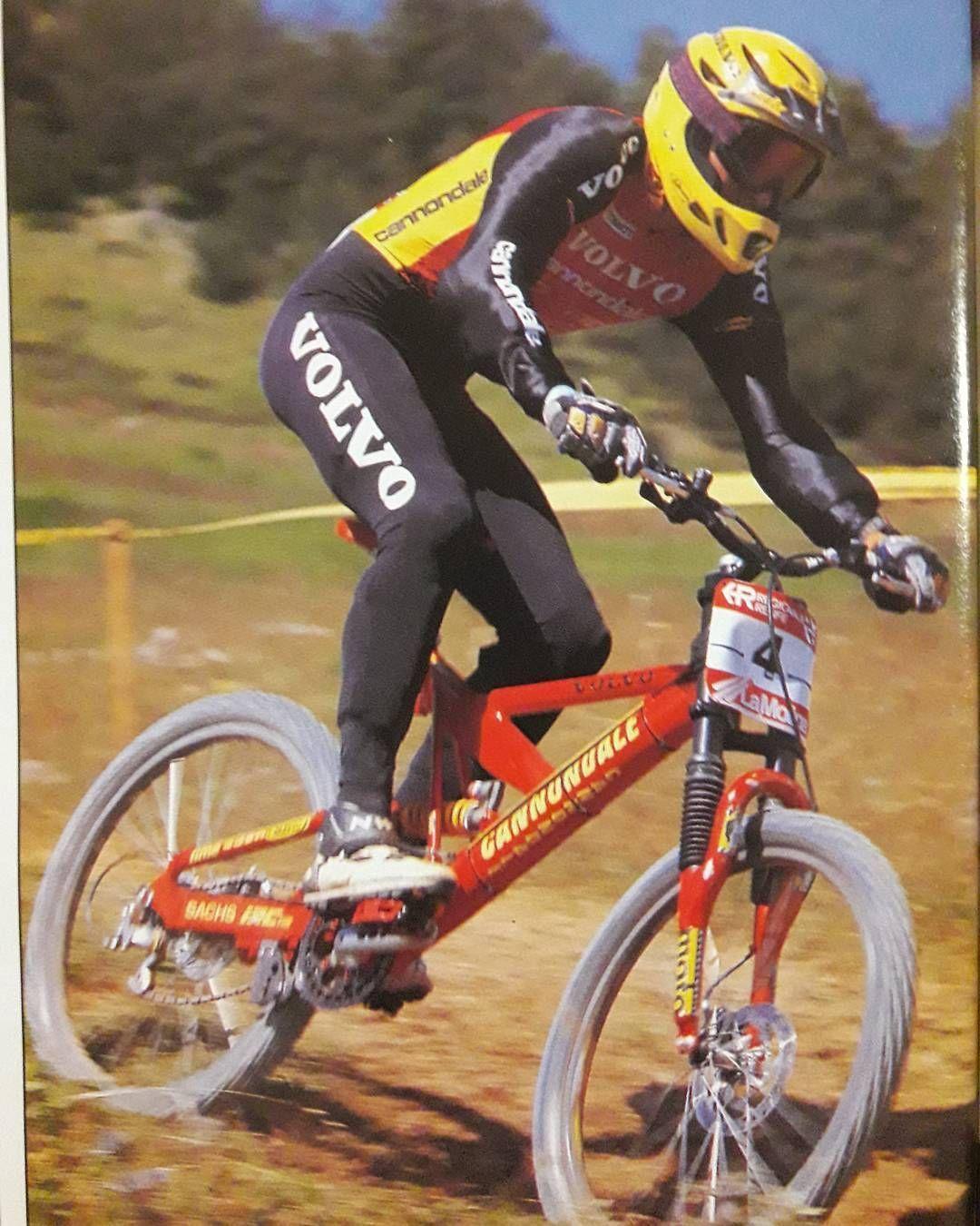 11efe1095e2 Oscar Saiz showing how to do it properly #retromtb #retrobike #downhill  #downhillmtb
