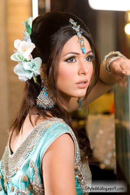Beautifull Pakistani women Coiffure mariage, Coiffure de