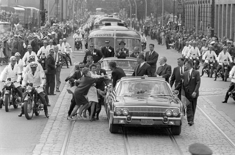 KENNEDY, FOTOGRAFIA. Aniversario del asesinato de Kennedy