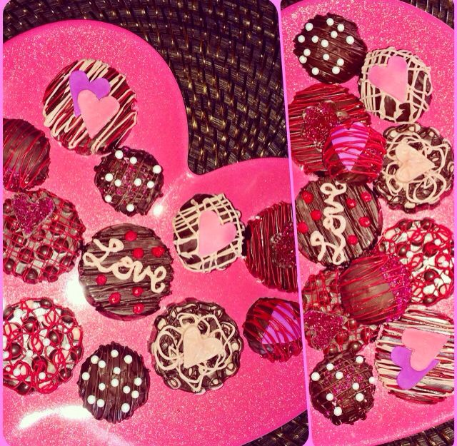 Valentines chocolate covered Oreos and cakeballs