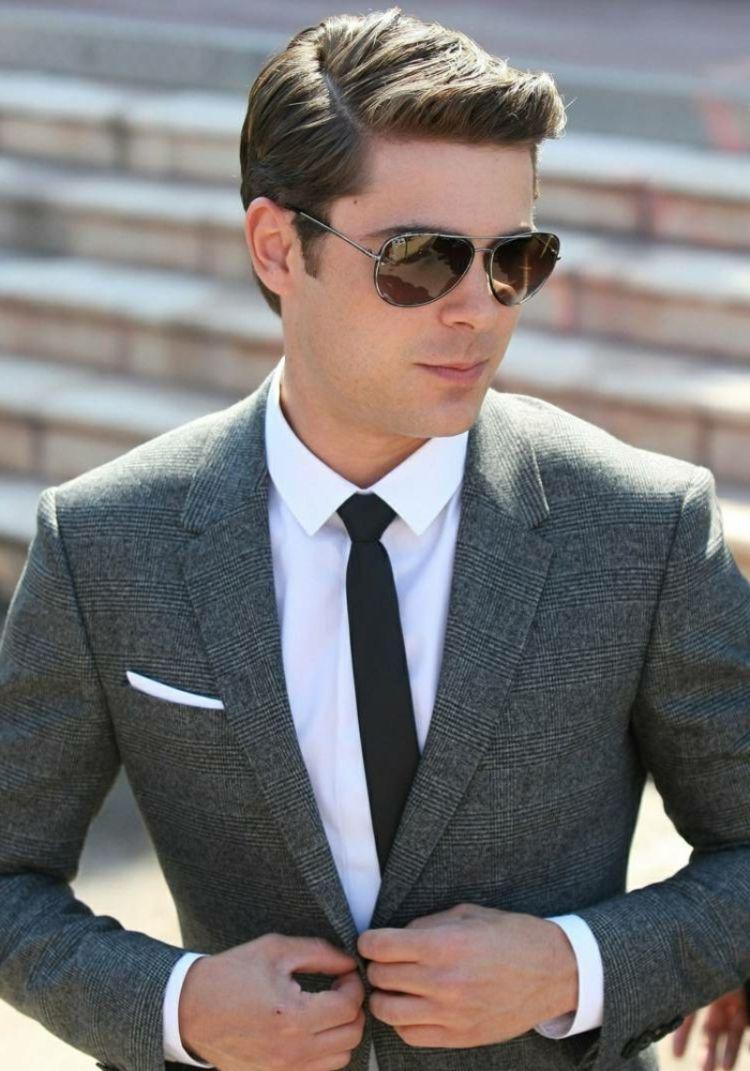 Business Frisuren Fur Herren Anzug Klassisch Seitenscheitel Business Frisuren Mode Frisuren Manner Mit Brille