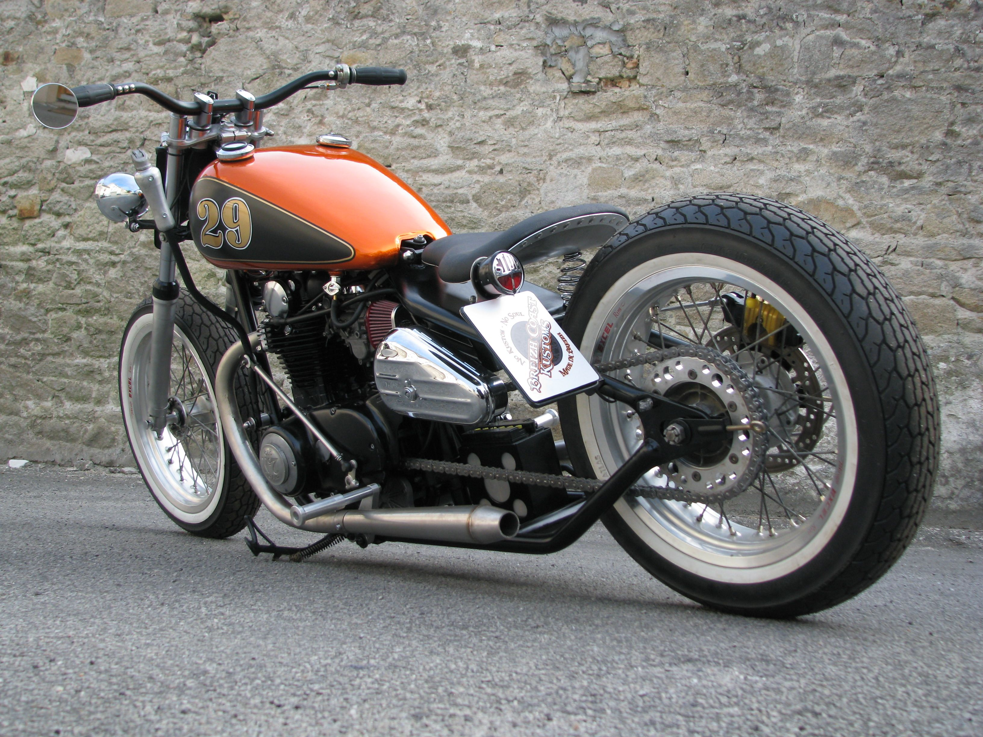 '82 Yamaha XS 650 Bobber made by Breizh Coast Kustoms #flattrack #streettracker #breizhcoastkustoms #yldconcepts #yamaha #xs650 #bobber #bckustoms
