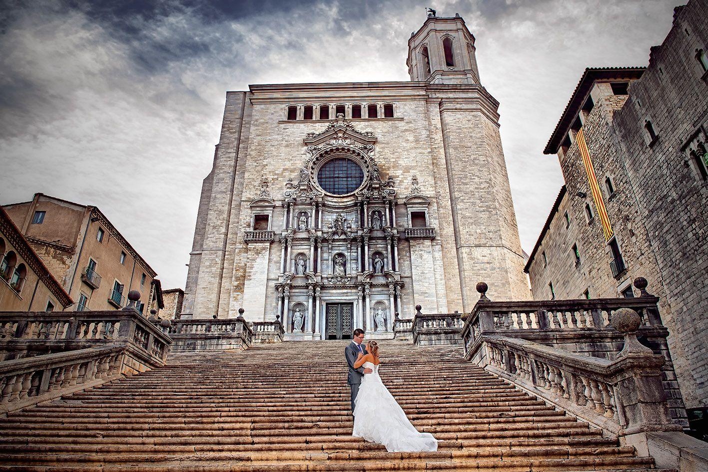 Eloi i Viena,davant la catedal de Girona,catalunya