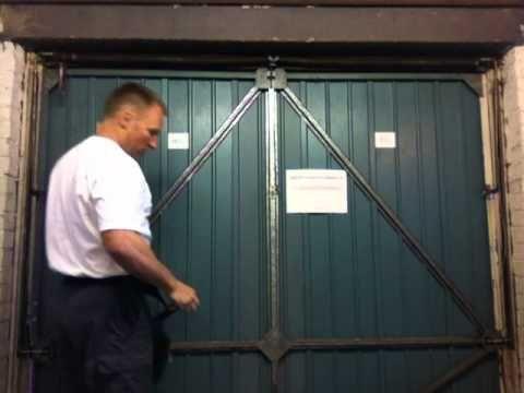 Henderson Merlin Garage Door Repairs Cones Cables Replacement Roll Diy Canopy Canopy Tent Outdoor Hotel Canopy