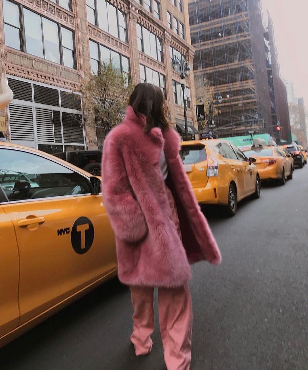 Fashion Beauty Internships: Pin By Caro👩🏼💻 On Lookbook