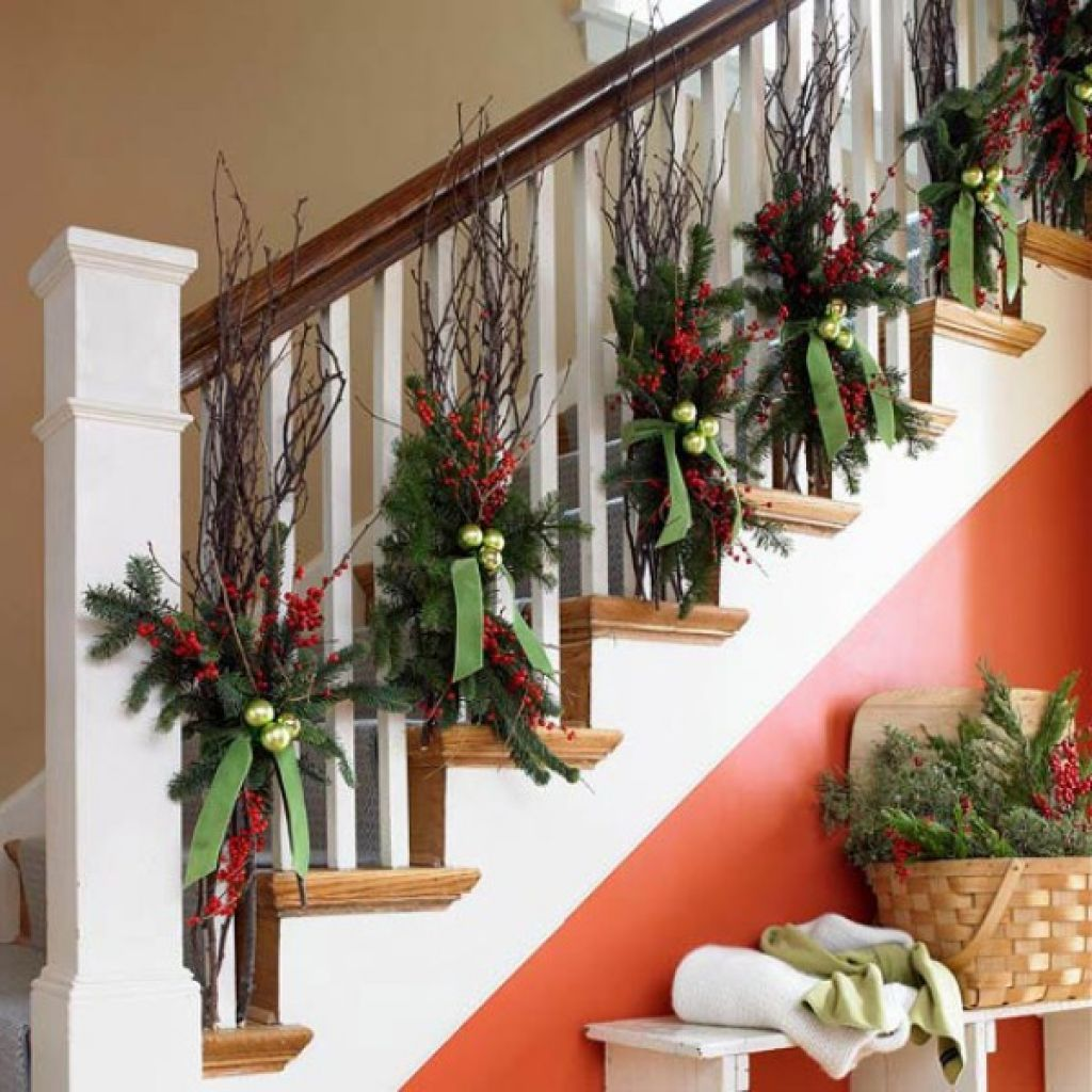 Decorating banisters for christmas with ribbon - Christmas Banister Decorating Ideas