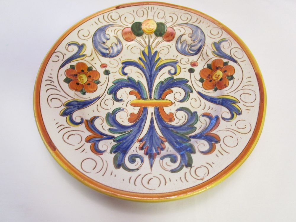 Deruta Wall Plate Hand Painted Carved / Sgraffito Pattern Italian Italy 12-1/4""