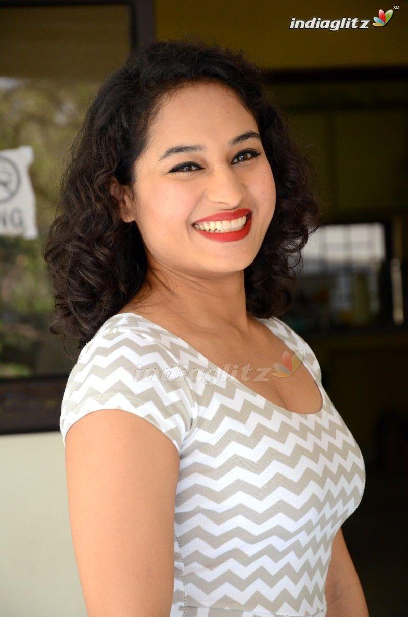 namitha   Maal   Pinterest   Curvy, Girls and Woman
