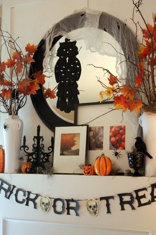 halloween mantle (if only I had a mantle) Halloween Pinterest - large outdoor halloween decorations