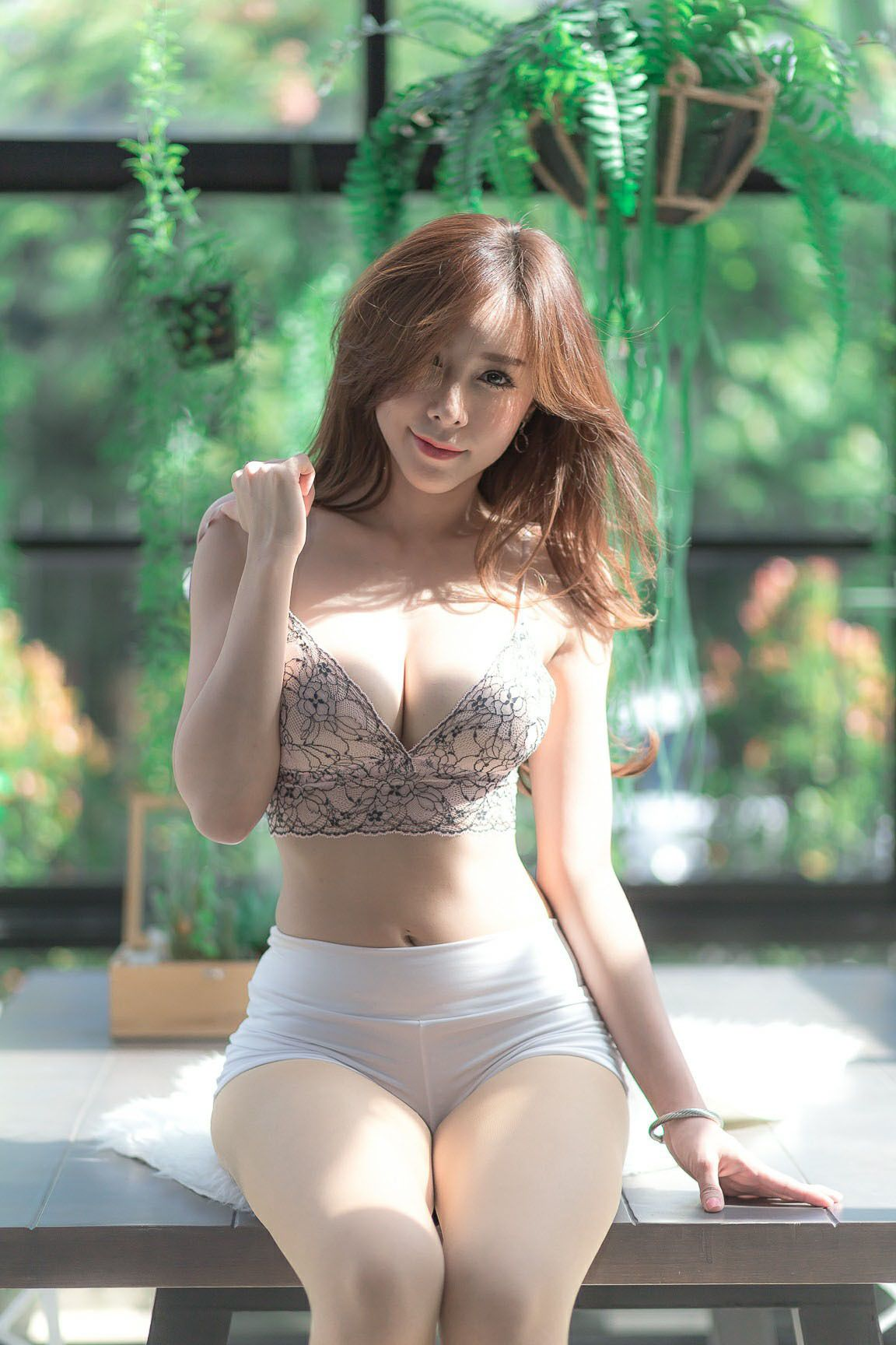 1c97a6af8b857c Girls in Shorts ♡ | Sexy milf because they hot | Beautiful asian ...