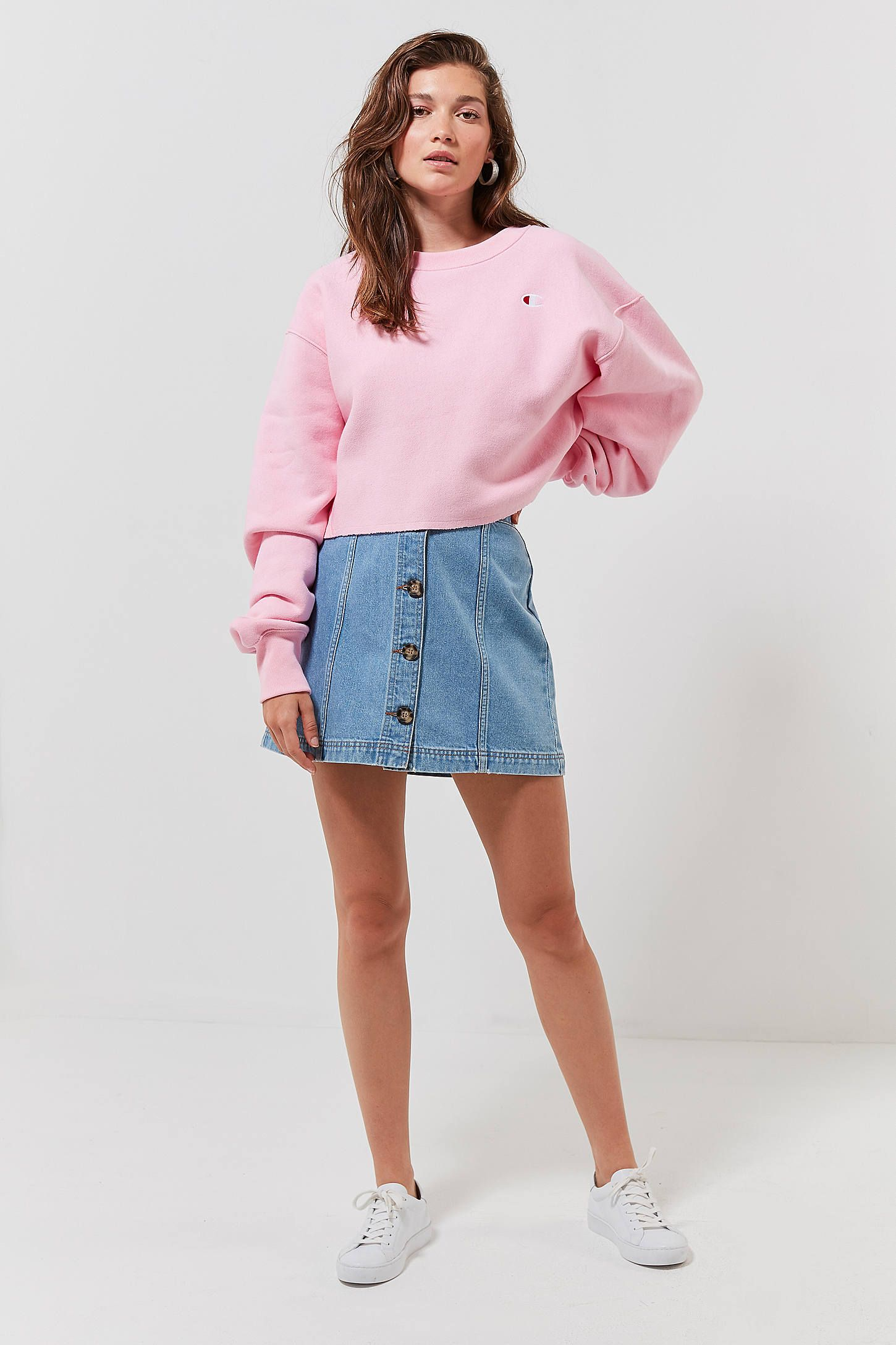 Champion Crew Neck Cropped Sweatshirt Cropped Sweatshirt Outfit Crop Sweatshirt Pink Sweatshirt Outfit [ 2175 x 1450 Pixel ]