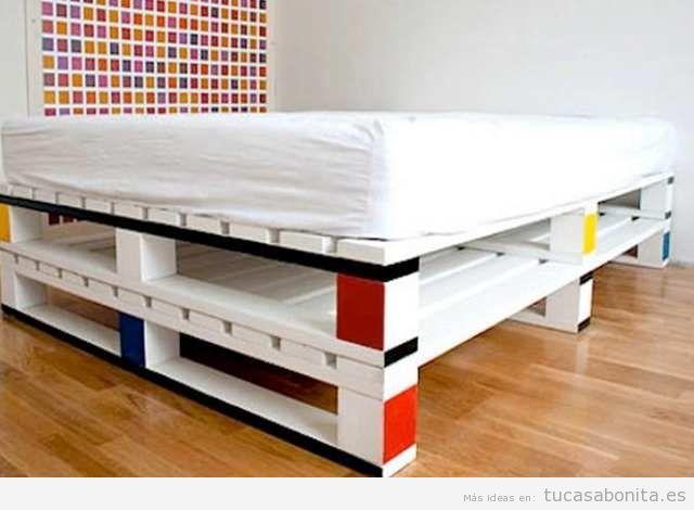 Ideas para hacer camas de matrimonio con palets 5 diy for Como hacer una cama con palets