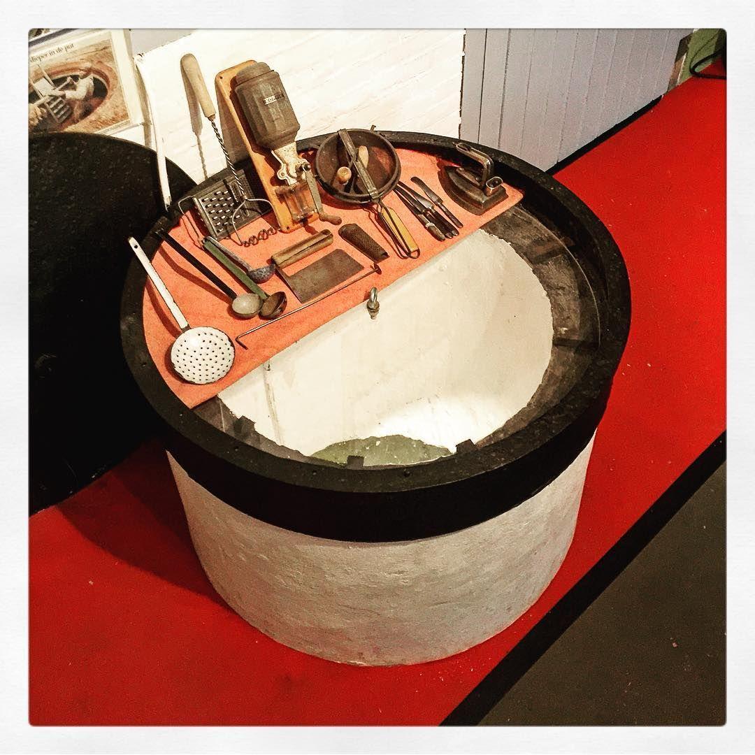 De oude waterkelder, nog steeds vol met water, in de officierskeuken Fort bij Abcoude #Abcoude #StellingvanAmsterdam #Stampions #werelderfgoed #FortbijAbcoude