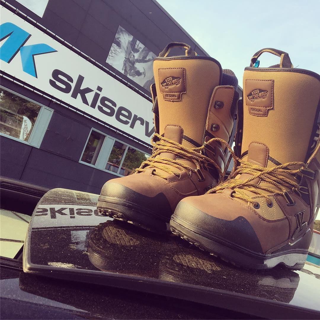 A Very Sunny 30 Degrees Celsius Outside Perfect Weather To Get Me Some New Snowboard Boots Thanks For The Great Customer C Boots Snowboard Boots Combat Boots