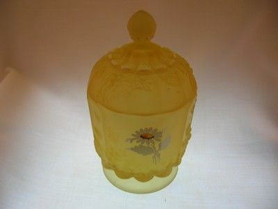 Westmoreland Daisy Decal pattern #1881 in Yellow Mist, circa 1971-80-$22.00.