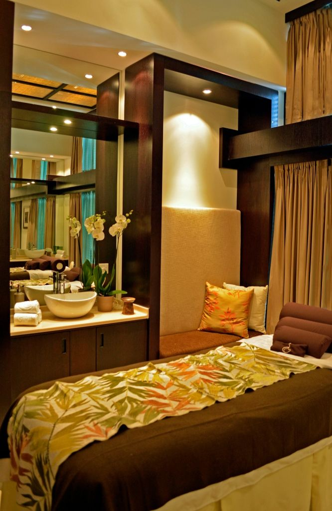 Love The Warm Colors In This Luxury Spa Treatment Room