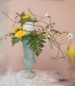 composition des branches s ch es avec trois fleurs de. Black Bedroom Furniture Sets. Home Design Ideas