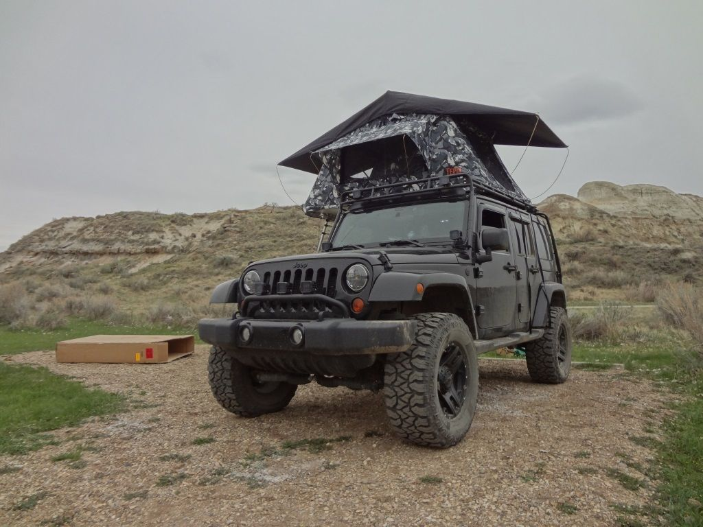 Jeep Wrangler JK with Tepui Kukenam roof top tent - parked at Dinosaur Provincial Park Alberta (May 2014) & Jeep Wrangler JK with Tepui Kukenam roof top tent - parked at ...