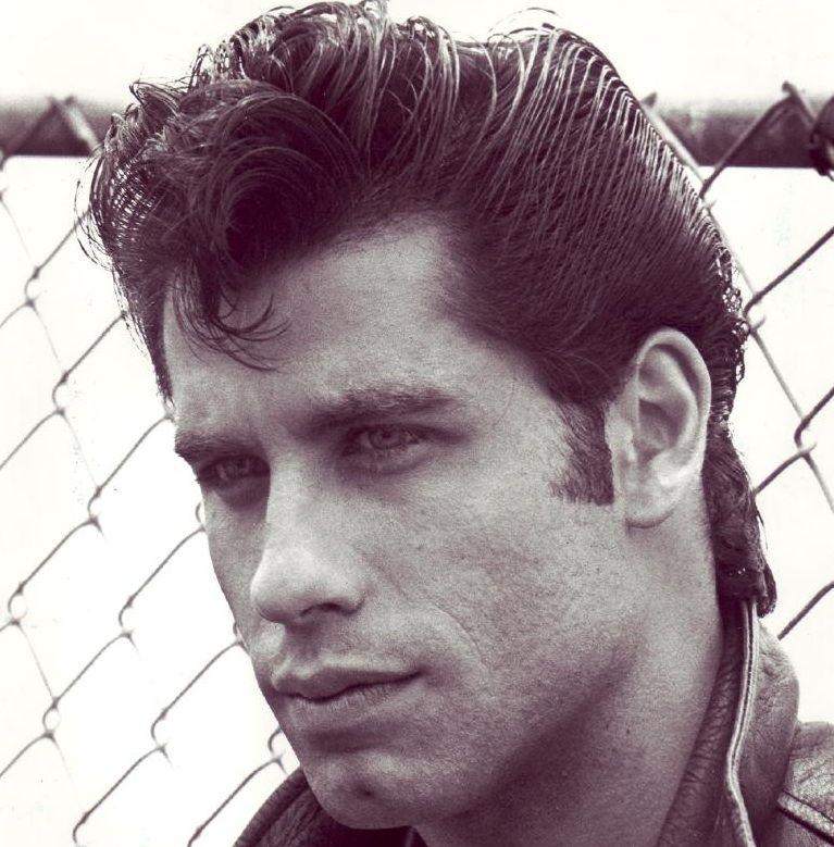 Men 50s Hairstyles John Travolta Plays Danny Zuko A Classic 1950 S Greaser In The John Travolta Grease John Travolta Danny Zuko