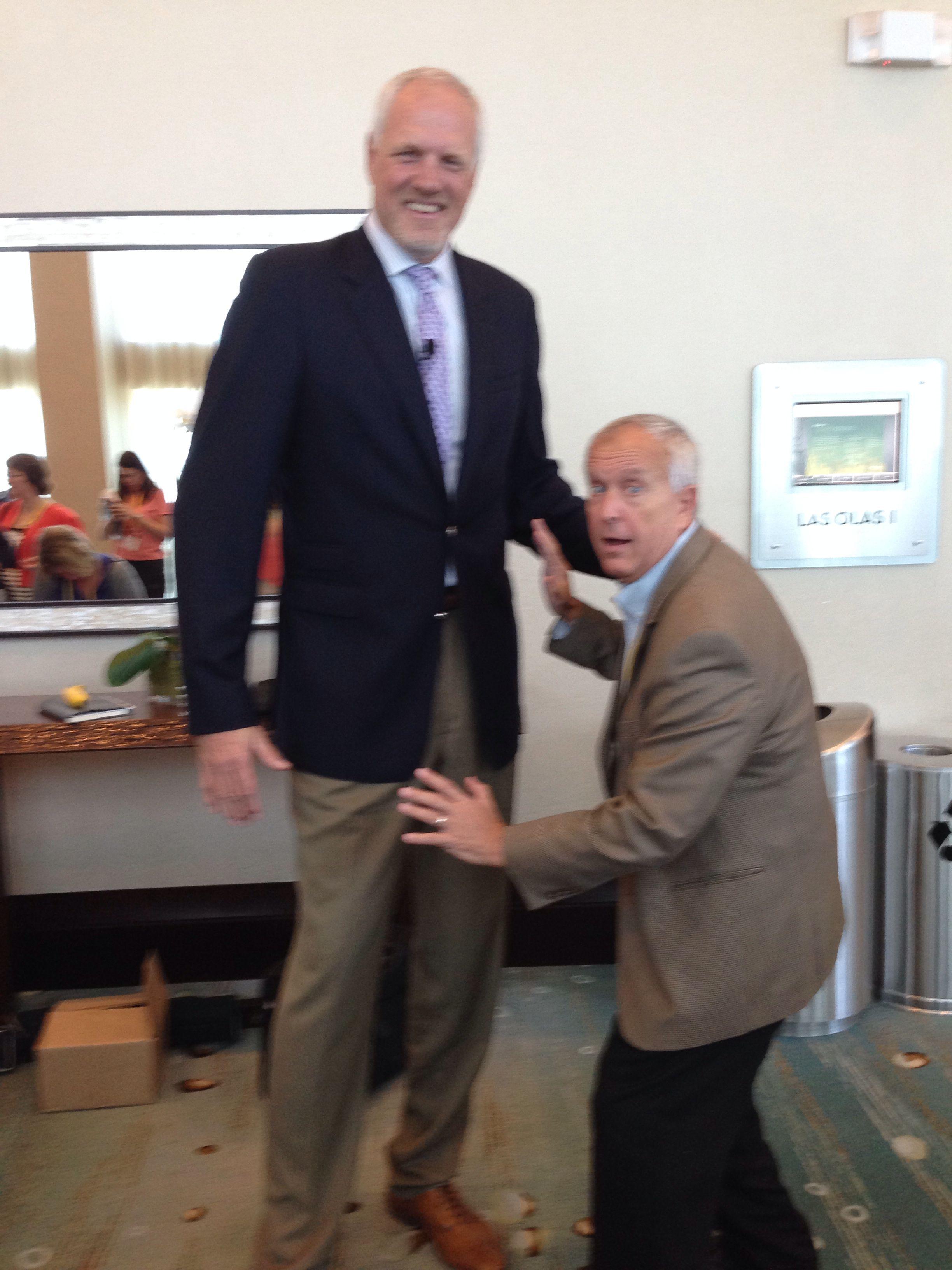 Guarding Mark Eaton - 7ft4 defenseman of Utah Jazz. Gotta play BIG!