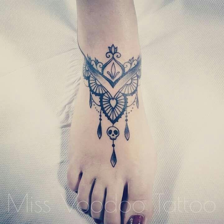 pingl par jule mardjinn sur tatouage pinterest tatouages inspiration tatouages et cheville. Black Bedroom Furniture Sets. Home Design Ideas
