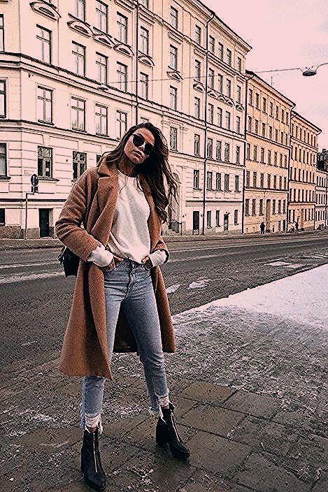 Photo of 10 Simple Wardrobe Essentials For Women Minimal Classic Street Styles .