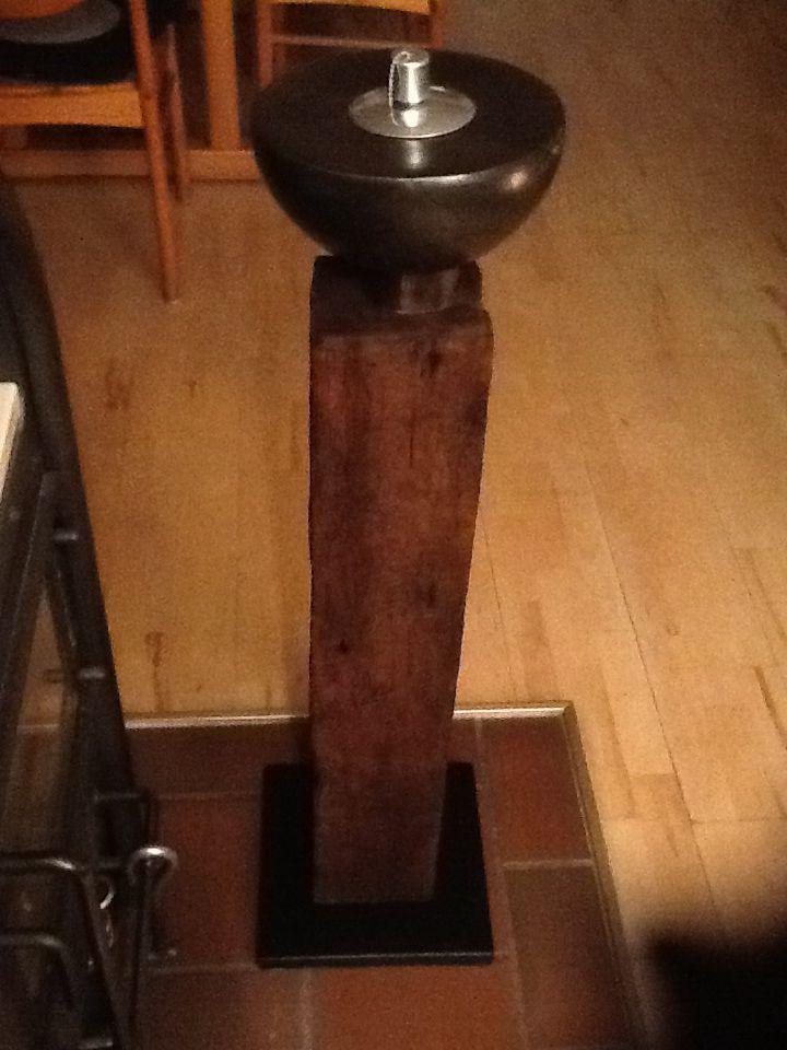 l lampe mit st nder aus einem alten holzbalken von einem scheunenabriss keramikschale von http. Black Bedroom Furniture Sets. Home Design Ideas
