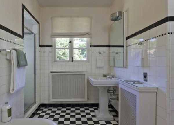 40 Wonderful Pictures And Ideas Of 1920s Bathroom Tile Designs: Real Estate Report: This 1920s Spanish In Piedmont Is