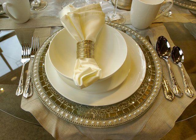 Image result for Bowring charger plates & Image result for Bowring charger plates   aranjarea meselor festive ...