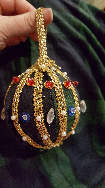 Black Watch Ornament #Round #ChristmasOrnaments #ScottishGifts #GiftForFriend #SwavorskiCrystal #ChristmasBalls #HousewarmingPresent #Scotland #BlackWatchPlaid #PlaidGifts