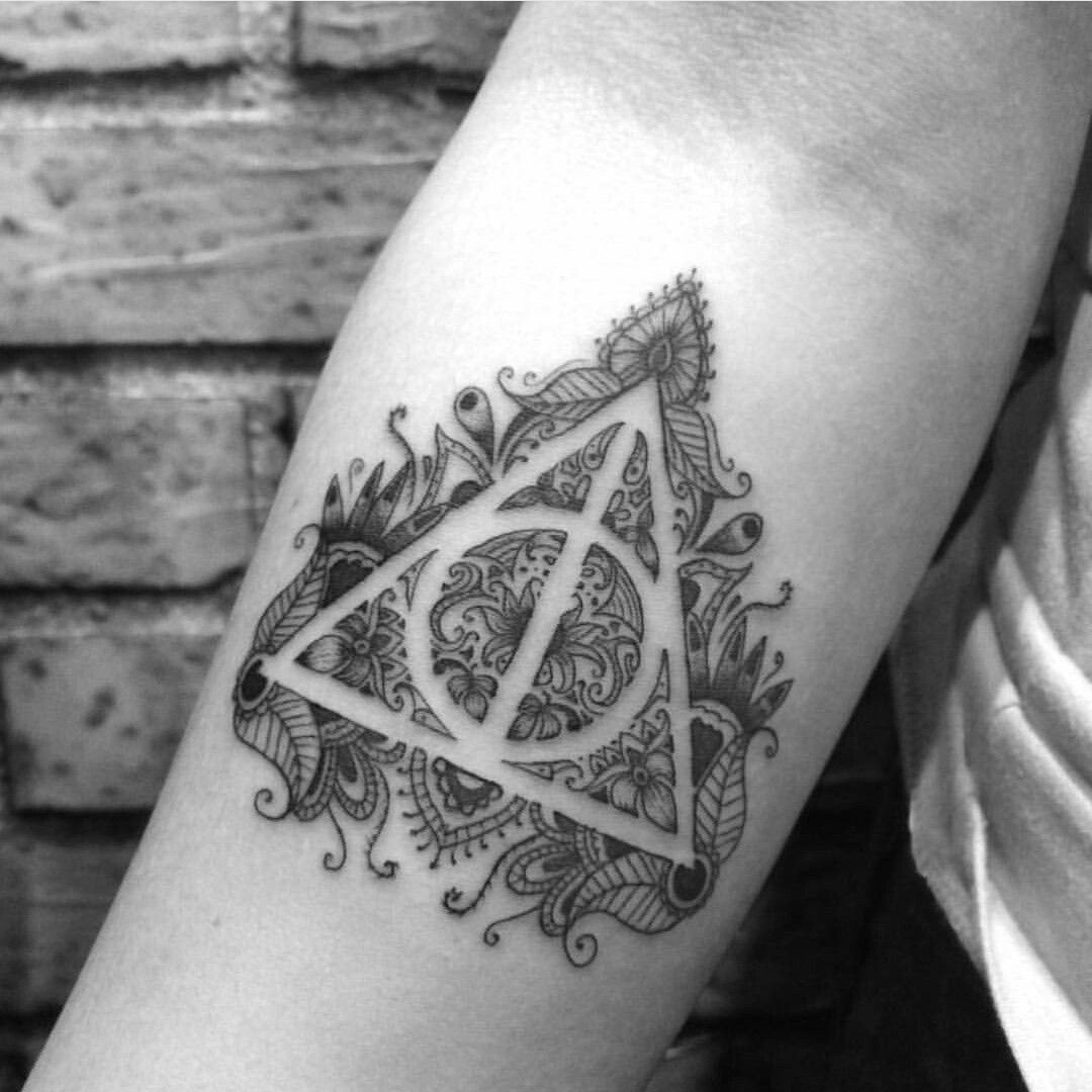 Deathly hallows tattoo tattoos pinterest deathly for Unique harry potter tattoos