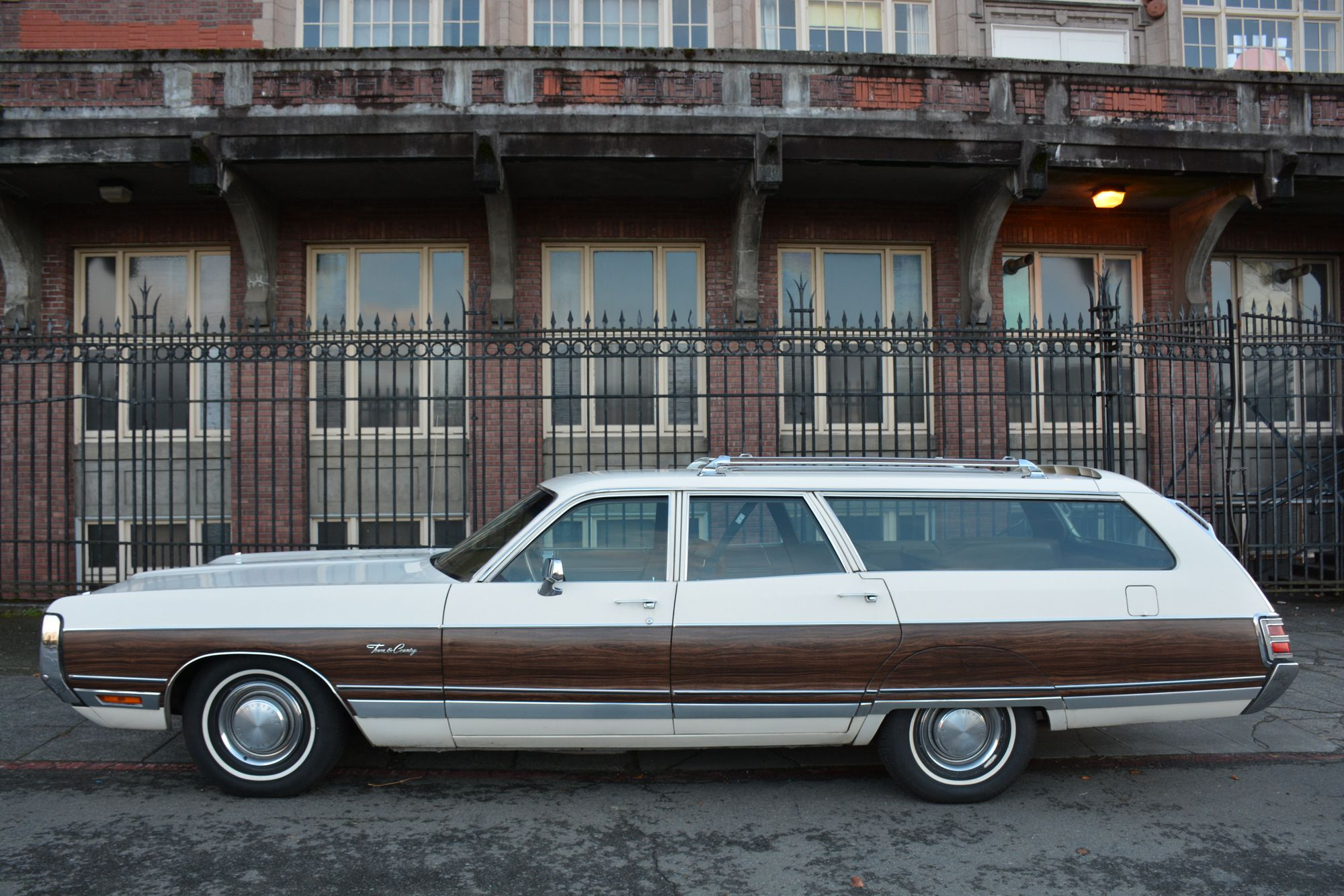 1972 Chrysler Town And Country Lenghty With Images Chrysler