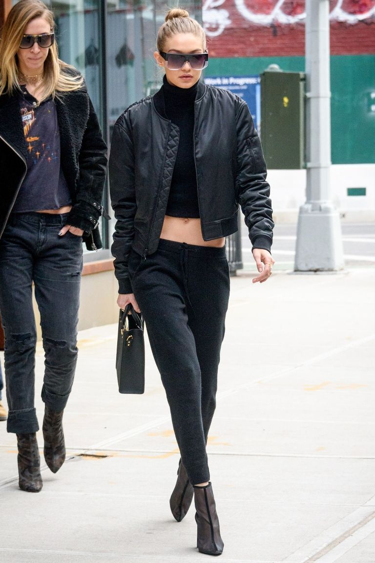 759912d32 Gigi Hadid Makes Us Want to Wear Metallic Blazers to Work | À LA ...