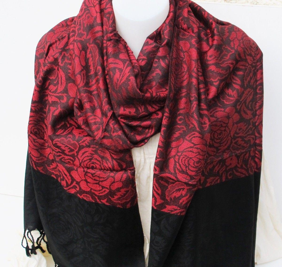 étole rouge et noire   Foulards indiens   Foulard, Etole et Indien c3d27da345c
