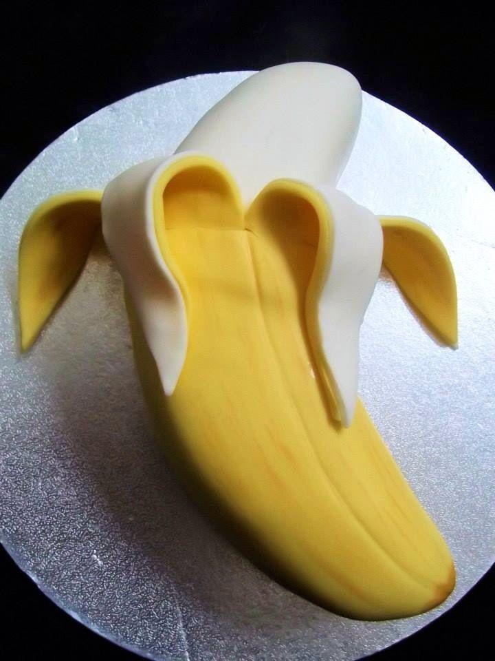 Banana cake | Easy cake decorating, Cake shapes
