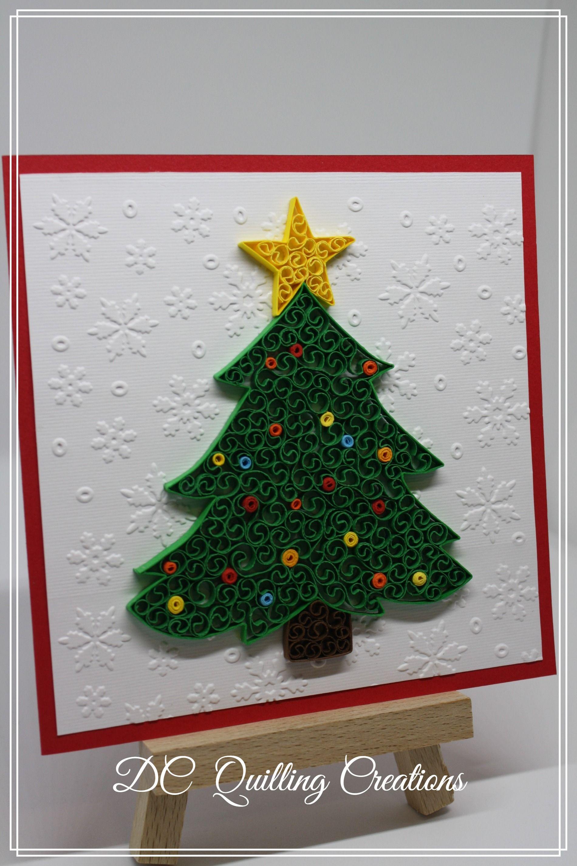 Albero Di Natale Quilling.Biglietto Natalizio Con Albero Di Natale In Quilling Quilling Christmas Christmas Cards Christmas Tree