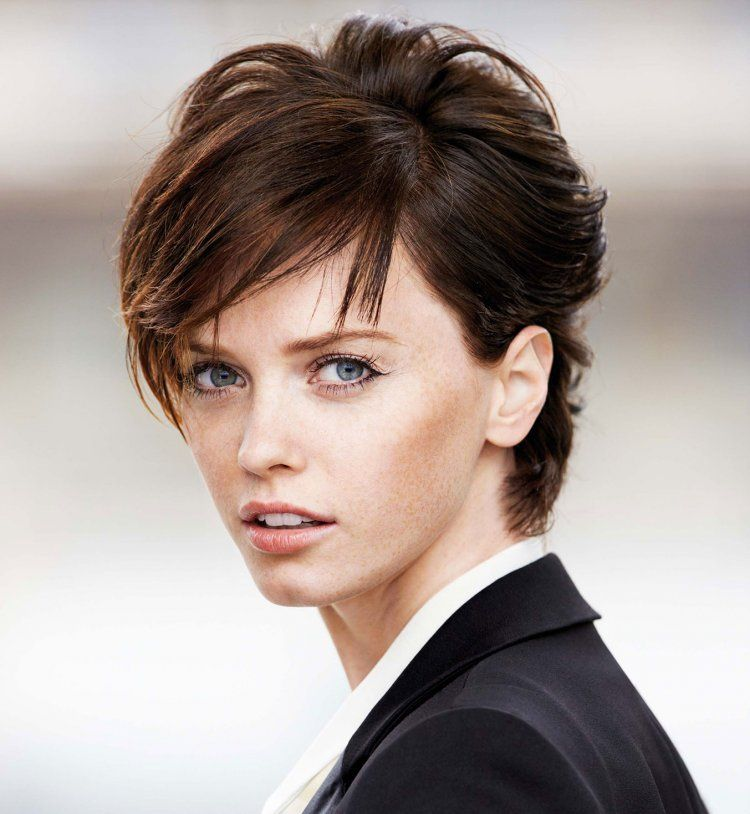 17 Best images about ✧ SHORT HAIR / CHEVEUX COURTS ✧ on ...