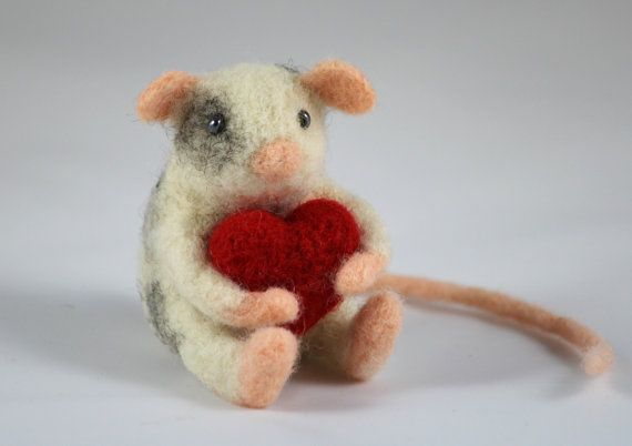 Miniature Needle Felted Mouse with a Red Heart, Felted Animal - Katie????