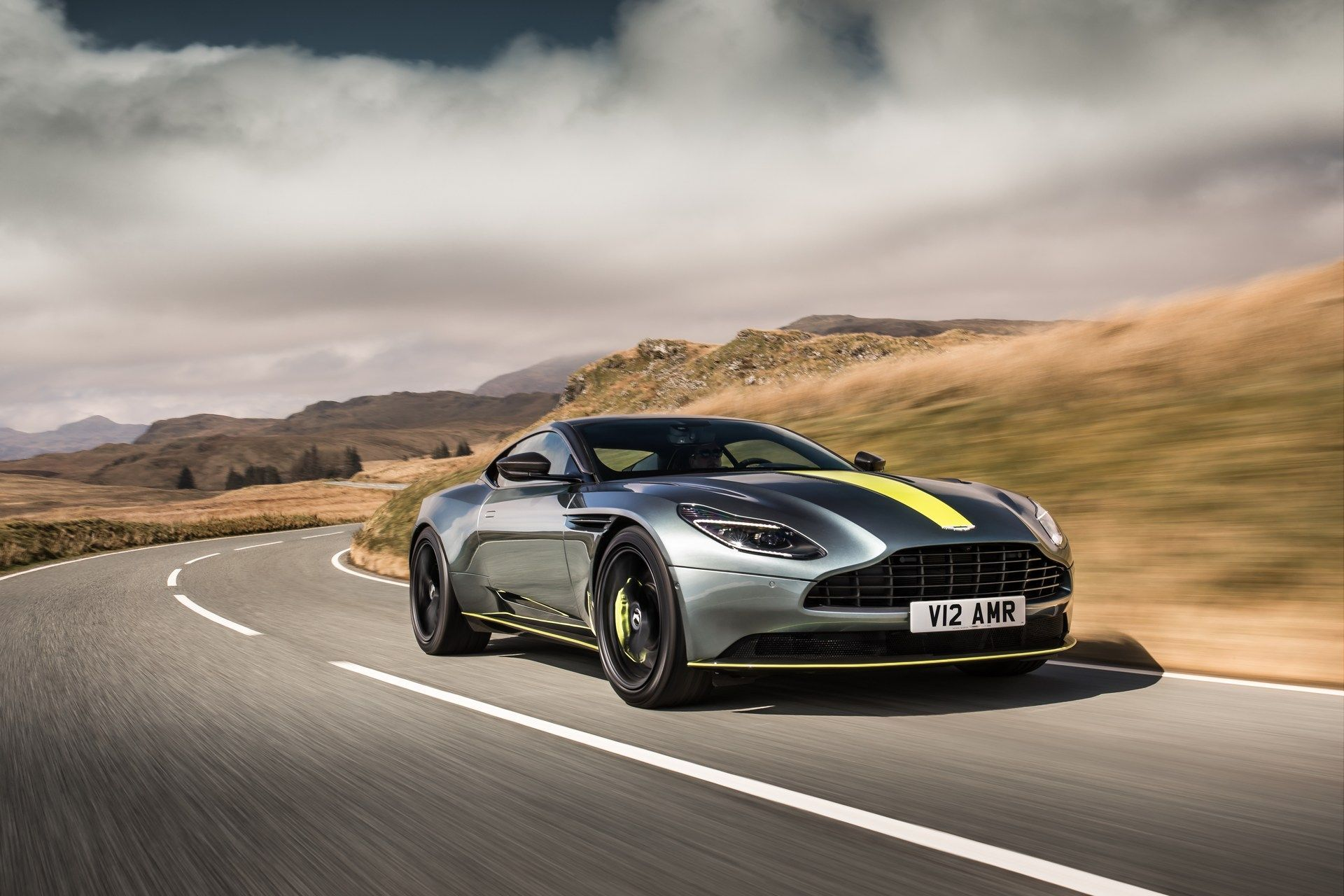 aston martin db11 amr debuts with 630 hp and 208 mph top speed