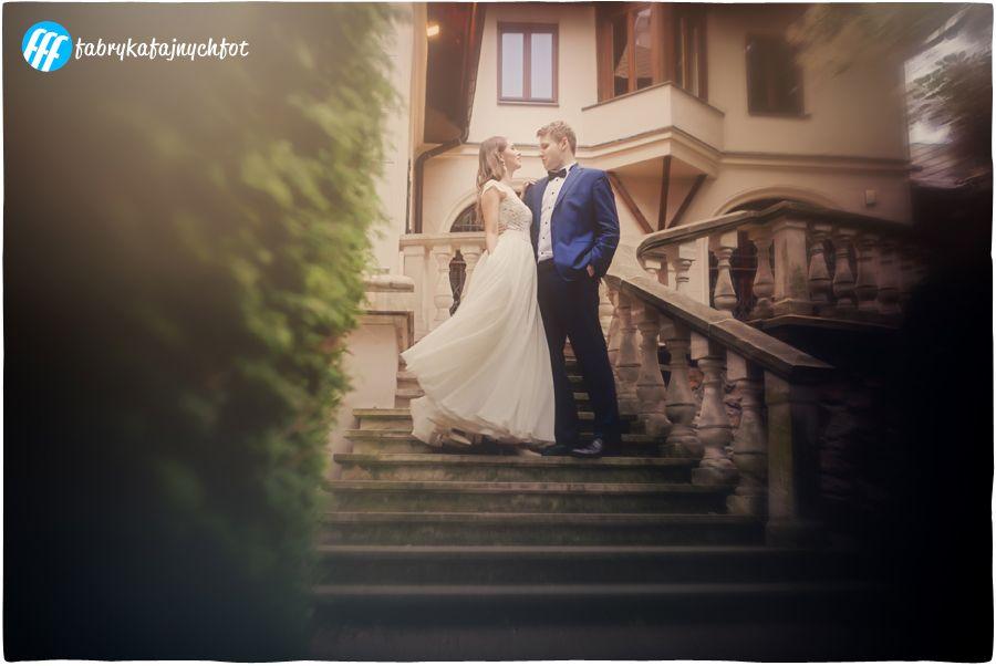 Fotografia Slubna Sesja Slubna Plener Slubny Kielce Swietokrzyskie Zdjecia Slubne Slub Fotograf Na Wesele Kreatywna Fot Wedding Dresses Dresses Wedding