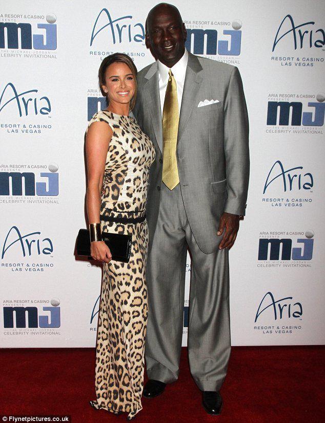nouveaux styles 1e03d f1150 Michael Jordan's fiancee Yvette Prieto 'has signed ...