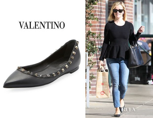 14514ae3fa084 Reese Witherspoon s Valentino  Rockstud  Leather Ballet Flats ...