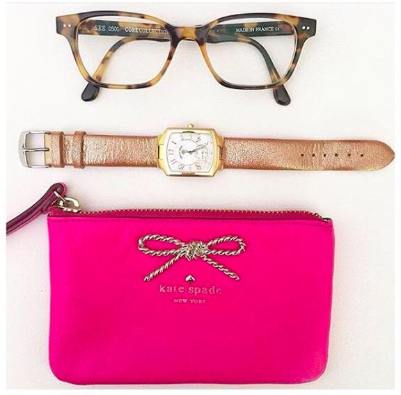 @birdiesandbows shows us her everyday essentials #PhilipStein #LiveInTune #repost