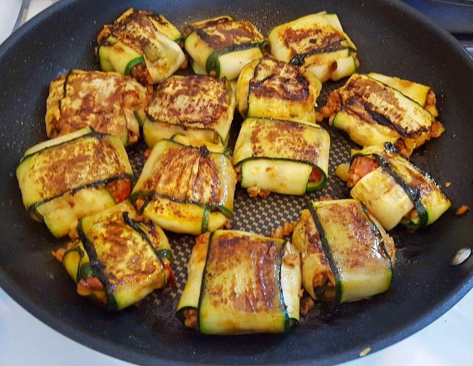 Rezept Fur Vegane Zucchini Packchen Mit Veganer Hackfullung Vegane Vorspeisen Zucchini Rezepte Vegan Zucchini Rezepte Vegetarisch
